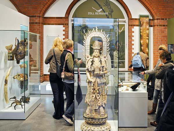 Im modernisierten Zollmuseum sind Exponate aus 2.000 Jahren Zollgeschichte ausgestellt. (1)