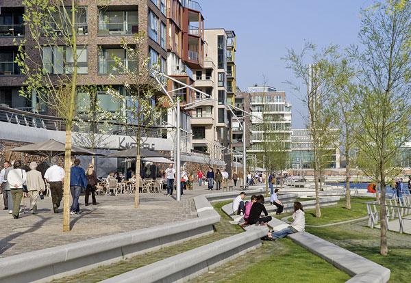 Wohnort der Zukunft 2009: Mit der Mischung aus Wohnen, Arbeiten und Freizeit verwirklicht die HafenCity die Idee einer nachhaltigen Stadt. (3)