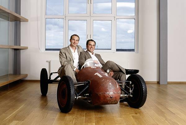 Die Macher: Thomas König (links) und Oliver Schmidt (rechts) im berühmten Hell JAP Bardahl Spezial von 1948 (2)