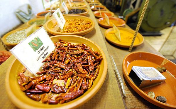 Riechen, Schmecken, Anfassen: Im Spicys Gewürzmuseum finden sich Gewürze aus aller Herren Länder. (1)