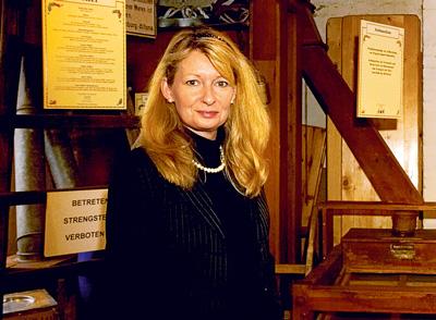 Inhaberin Viola Vierk trug zahlreiche Kostbarkeiten zusammen, die mit Gewürzen in Verbindung stehen. (2)